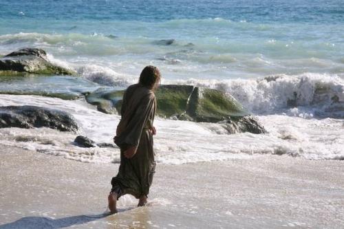 Jesus-at-the-beach_art.jpg